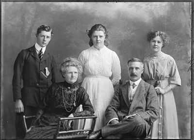 Barbara Lewis and J A Tole and his children
